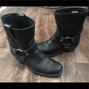 🔥FRYE Black Leather Harness Boots!